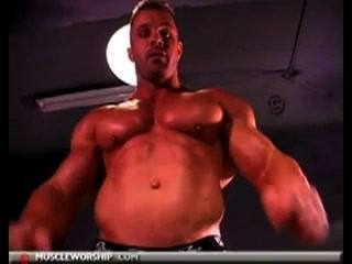 Muscle gros morceau solo hotntubes porno photo 2